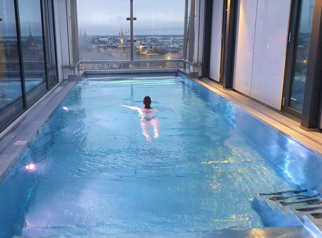 Clarion Hotel Helsinki zwembad